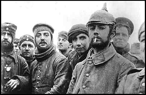 British and German soldiers together, Dec. 25, 1914