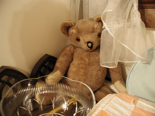 Vintage Teddy Bear by David Crane, 2003, CC BY-SA-2.0