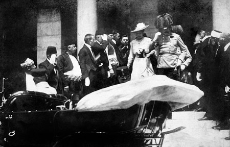 Franz Ferdinand and Sophie leave City Hall in Sarajevo, June 28.  Public domain.