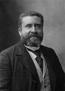 Jean Jaures, 1904, by Nadar. Public domain.